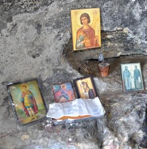 Fanouropita cake and St Fanourios icon