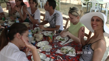 Students having lunch in Akincilar