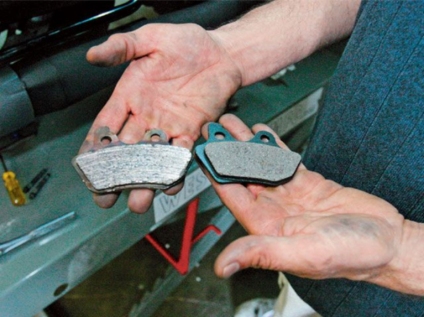 Faulty brake pads on the left