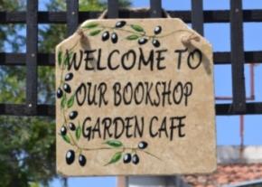 Ozankoy bookshop image