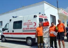 Tatlisu Ambulance crew meet Bob Lamb image