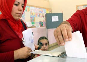 Turkish Cypriots vote ahead of talks on island's future