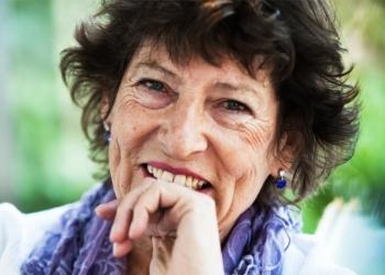 Dr Brenda Davies
