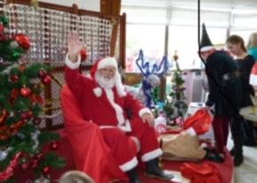 There's Santa img lrg