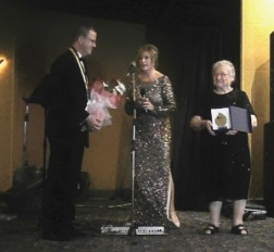Mother of the Year award to Beria Insel by Sertaç Gümüş and Demetra George-Mustafaoglu