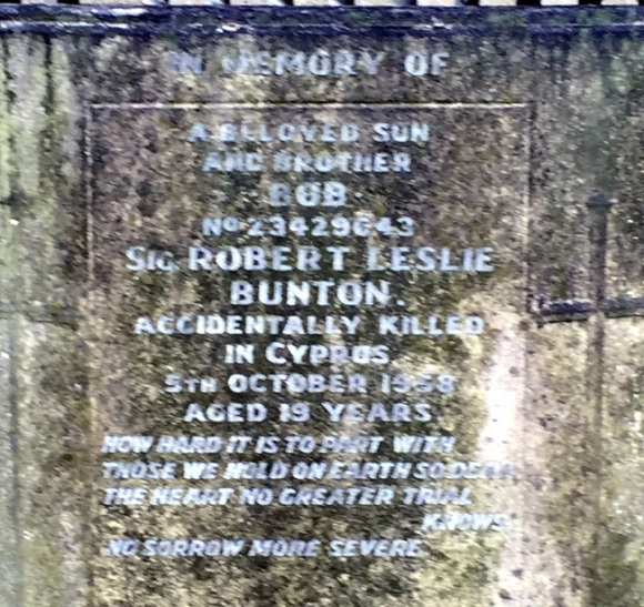 Grave 650