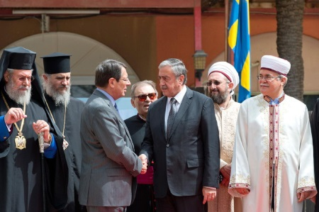Leaders meet religious leaders