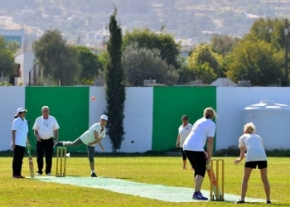 TRNC ladies bowling at the Mouflons. image