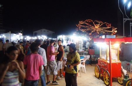 bare bulbs and crowds at panayir