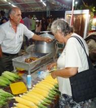 choosing corn panayir
