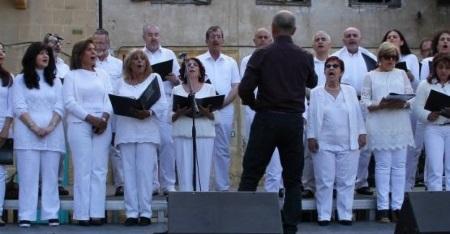 Bi-Communal Chorus