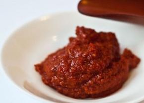 bbq-harissa-style-hot-sauce