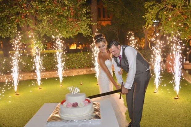 cutting-the-cake