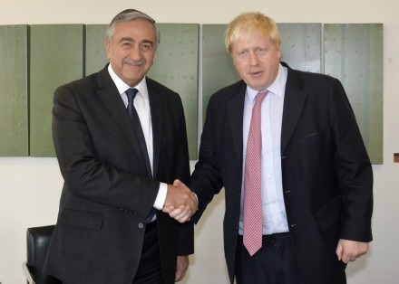 mustafa-akinci-and-boris-johnson