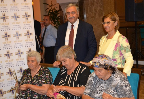 president-akinci-and-his-wife-take-interest-in-traditional-craft