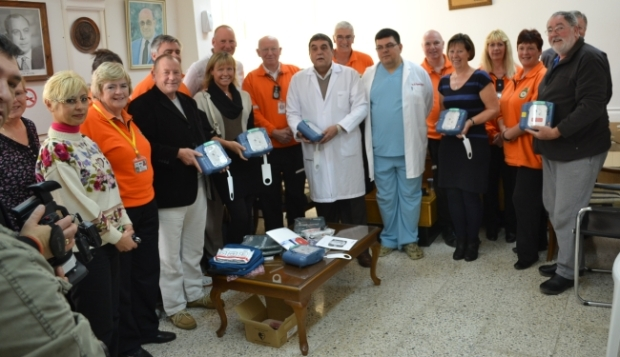 3-presentation-of-defibrillators-in-2012