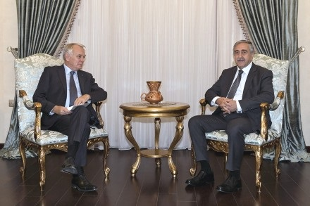 akinci-received-french-fm-jean-marc-ayrault