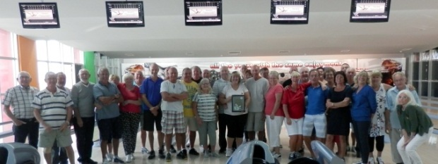 Some members of TRNC Premier 10 Pin Bowling League with their Tulips Certificate